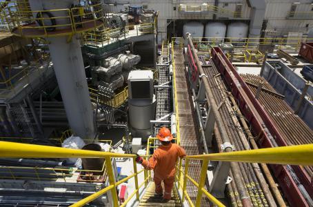 Recorte en Pemex llegaría a producción, dicen analistas