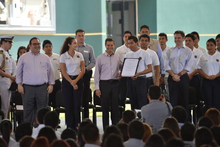 Peña Nieto encabeza acto el ITSPR de Poza Rica