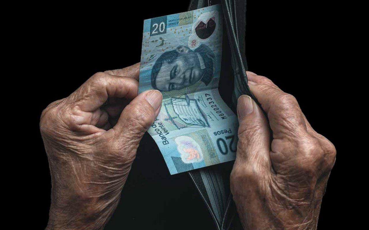 Bajos salarios impiden a mexicanos ahorrar para pensionarse: expertos