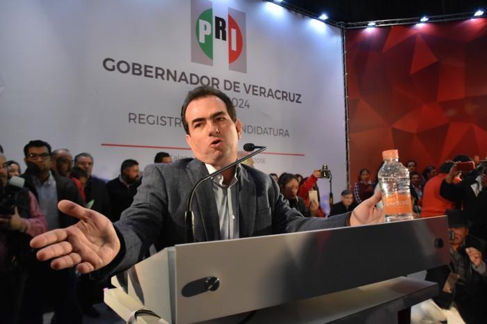 Pepe Yunes se apoya en el magisterio para elecciones 2018
