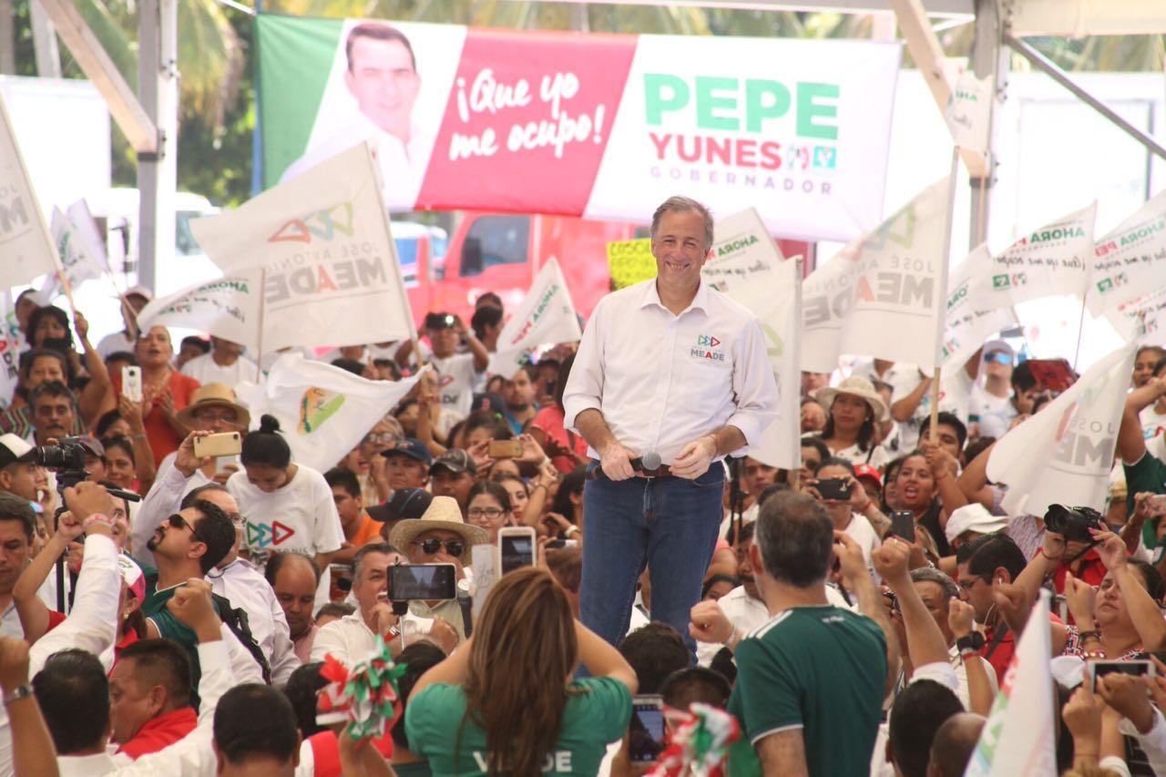 Meade cierra campaña en la región petrolera de Veracruz