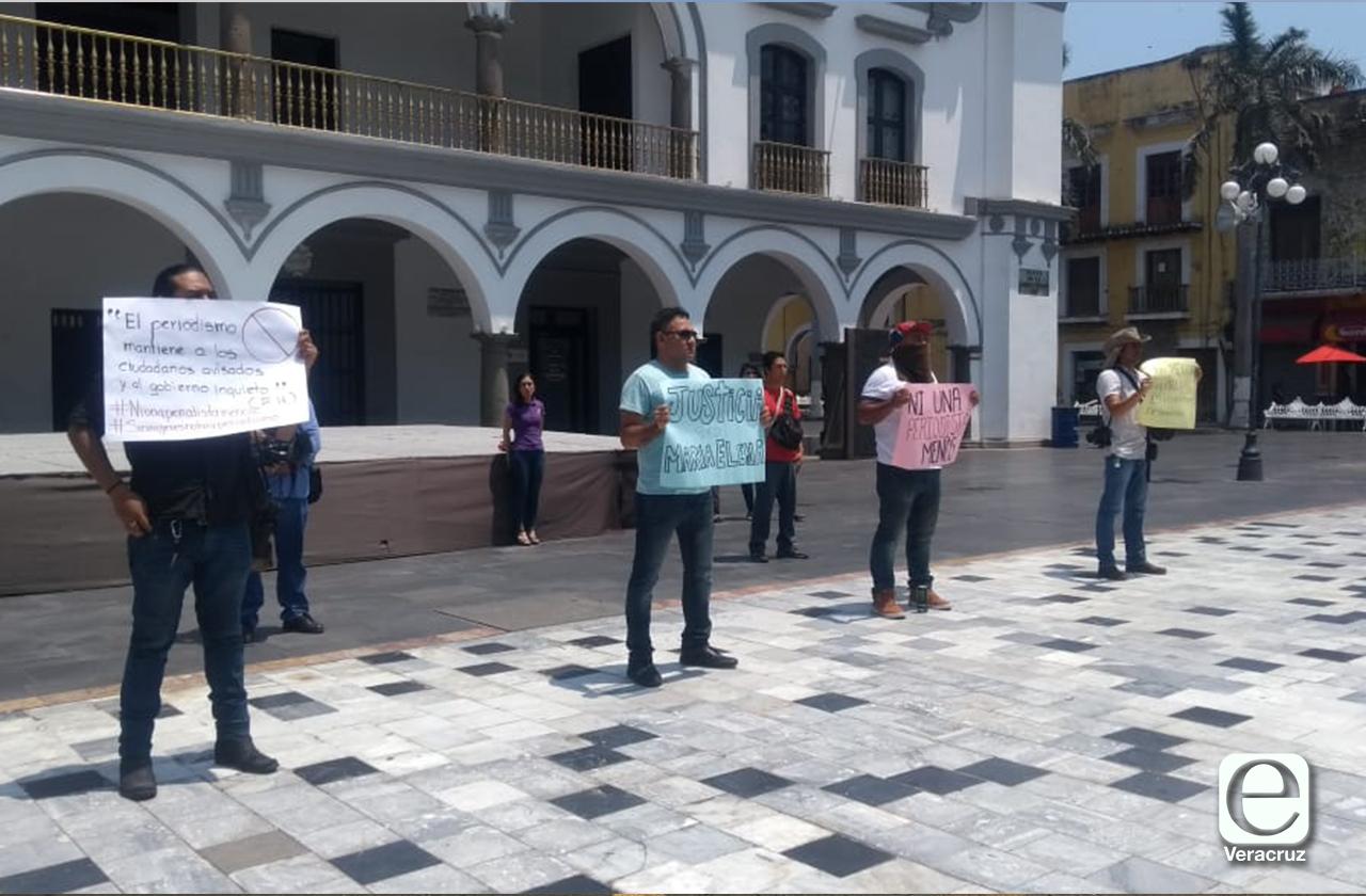 Periodistas del puerto se manifiestan tras asesinato de Elena Ferral