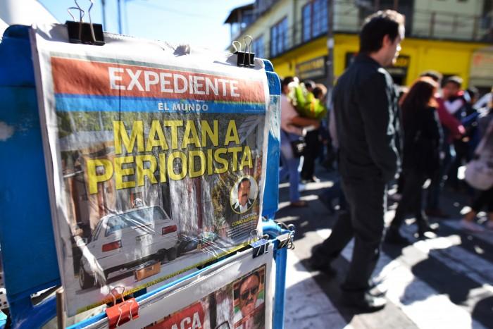 FEADLE sigue dos líneas de investigación en caso de periodista asesinado