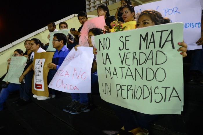 PGR atrae investigación de 7 de 14 periodistas asesinados