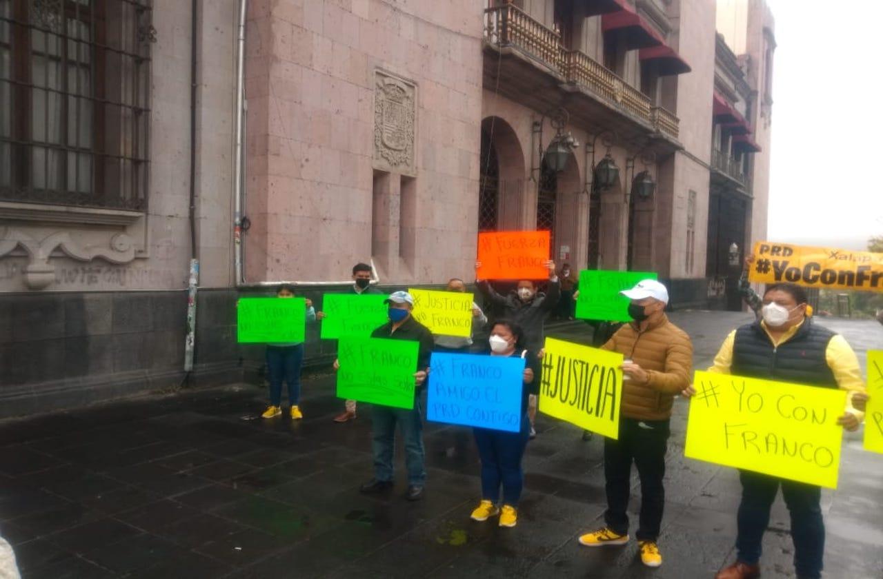 Perredistas de 80 municipios piden liberación de Rogelio Franco