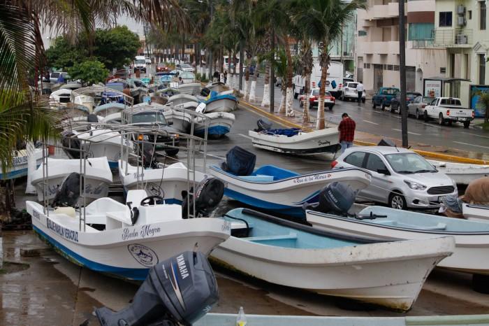 Veracruz: 20 mil pescadores de 30 municipios costeros se previenen ante paso de Franklin
