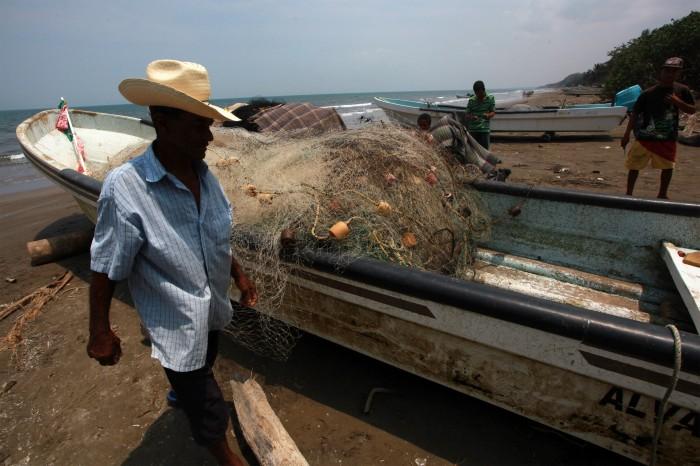 Pescadores de Tamiahua van contra alcaldesa electa por tema de gasoducto