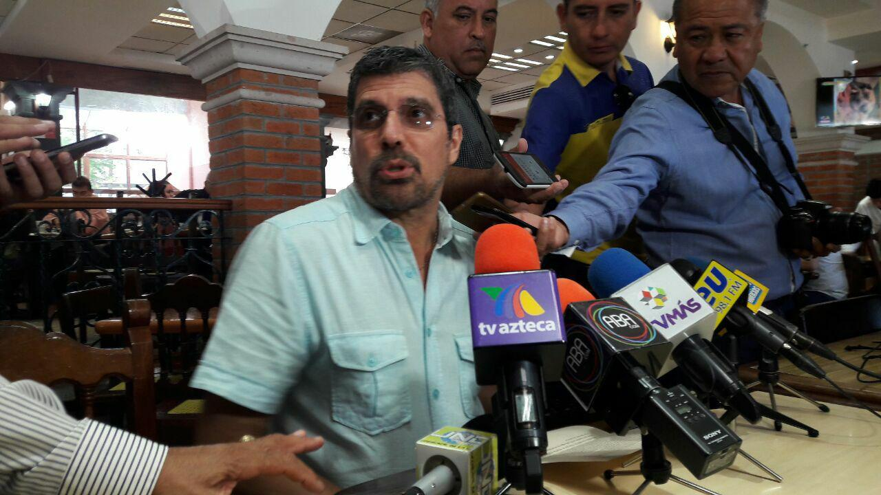 Director de periódico se perfila como candidato de Morena