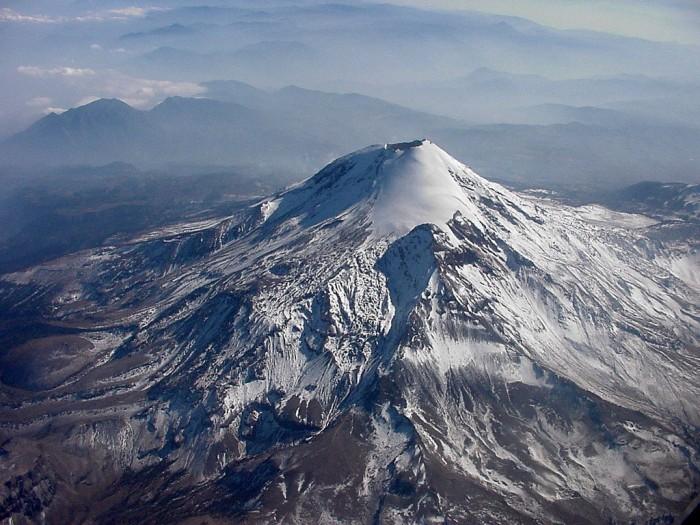 Piden a turistas tomar precauciones al visitar el Pico de Orizaba