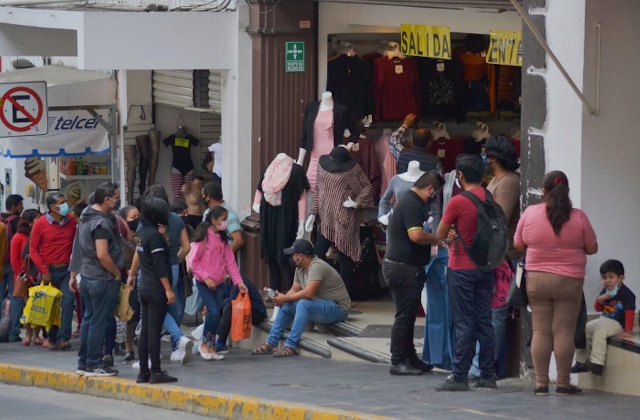 Piden evitar aglomeraciones en Xalapa ante fiestas decembrinas