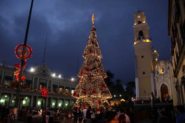 Así nació la tradición de encender luces en Navidad