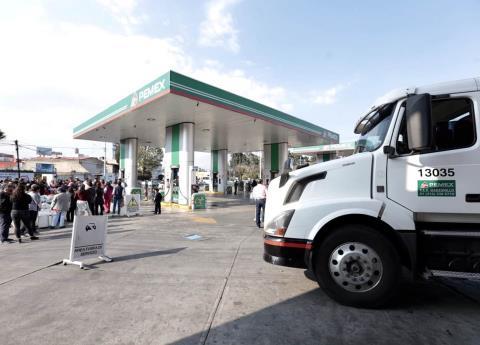 Expertos aseguran que traslado de gasolina en pipas, es 14 veces más caro