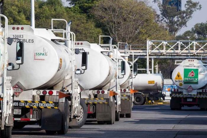 En falso retén de Veracruz, roban tres pipas con gasolina