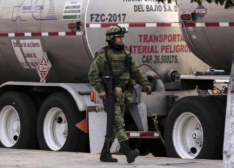 3 mil 500 carros tanque salieron de Minatitlán para abastecer gasolina a estados