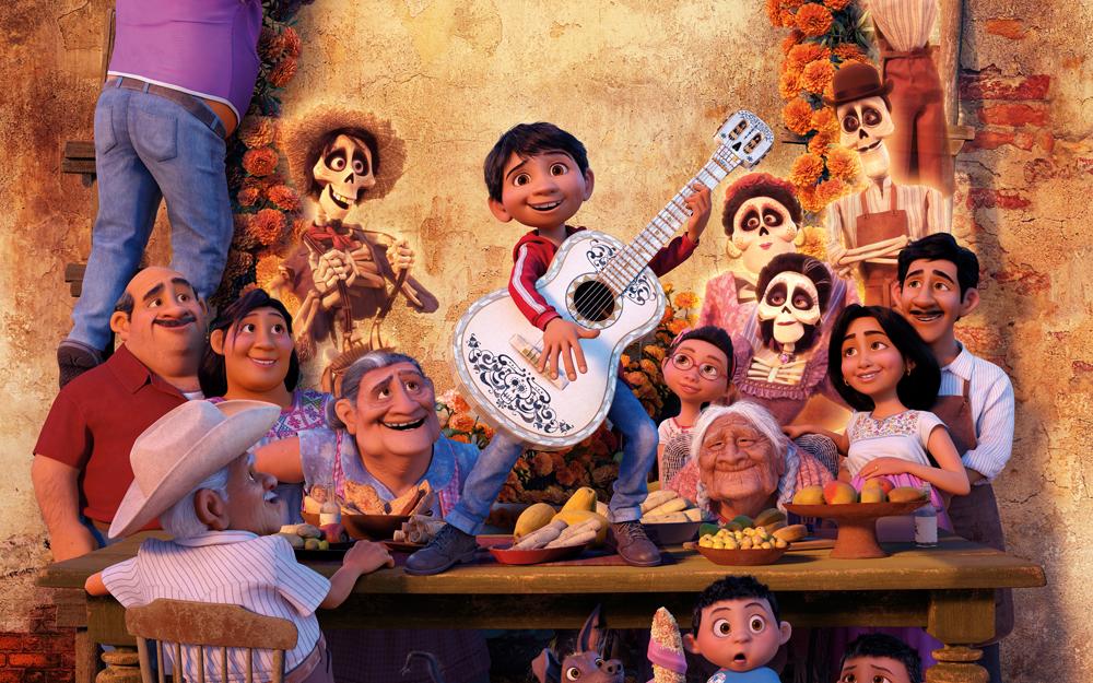 Veracruzano hace sonar la guitarra de Miguel en Coco
