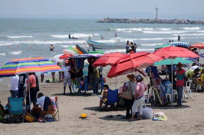 Saldo blanco en playas del puerto de Veracruz