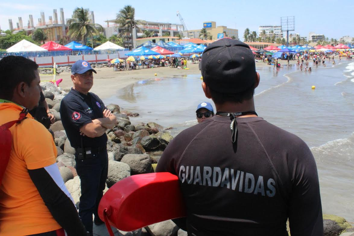 PC Municipal y Guardavidas vigilan playas en Semana Santa