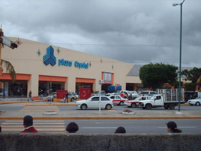 Asaltan banco de Plaza Crystal en Coatzacoalcos