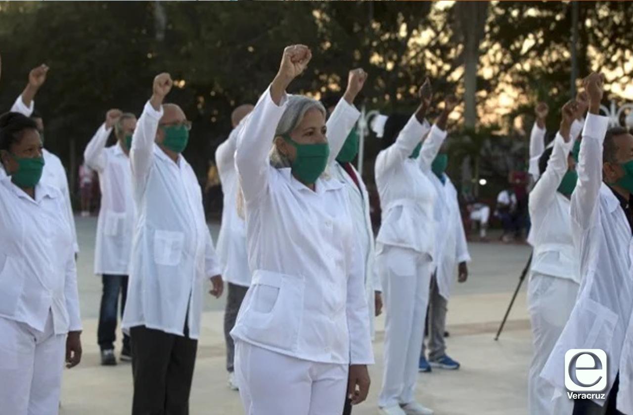 Pandemia se enfrenta con valentía en Veracruz: Salud