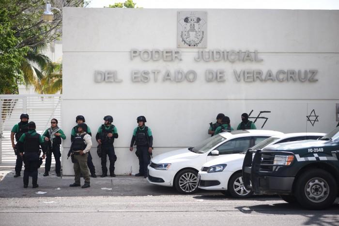 Ratifican prisión preventiva a presuntos asesinos de mando de la PF en Veracruz