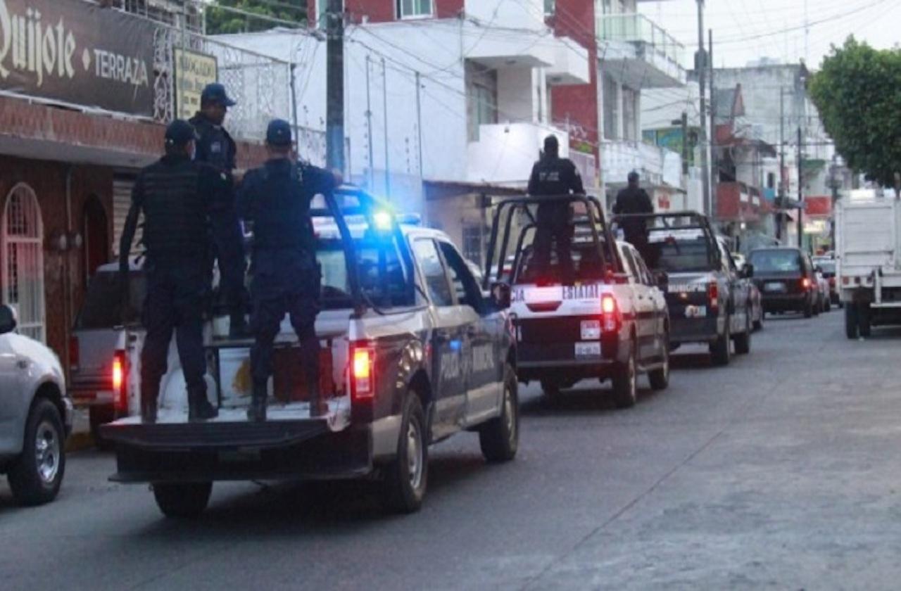 Desarman y retienen a 7 policías en zona limítrofe de Puebla y Veracruz
