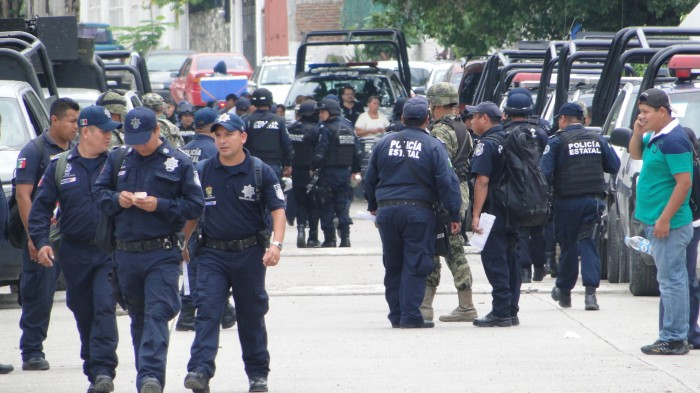 Alcaldes de Morena y federación analizarán creación de policías municipales