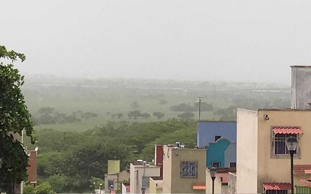 Fotos: Polvo del Sahara se percibe en ciudades de Veracruz