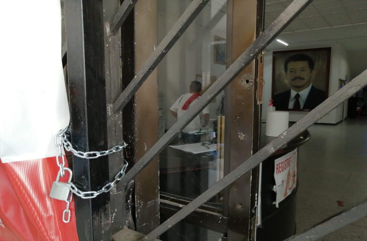 """Por """"agandalle de pluris"""", CNC toma instalaciones del PRI Veracruz"""
