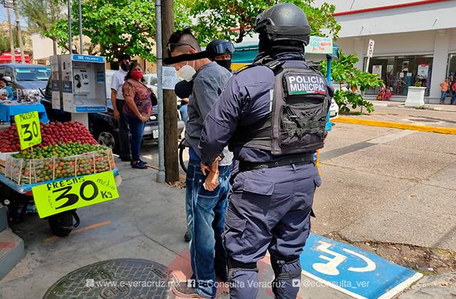 Por segunda ocasión detienen a ladrón de comercios en Coatza