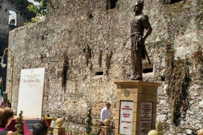 Aprueban retirar estatua de Porfirio Díaz en Orizaba