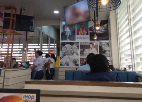 Proyectan video porno en IHOP de Boca del Río