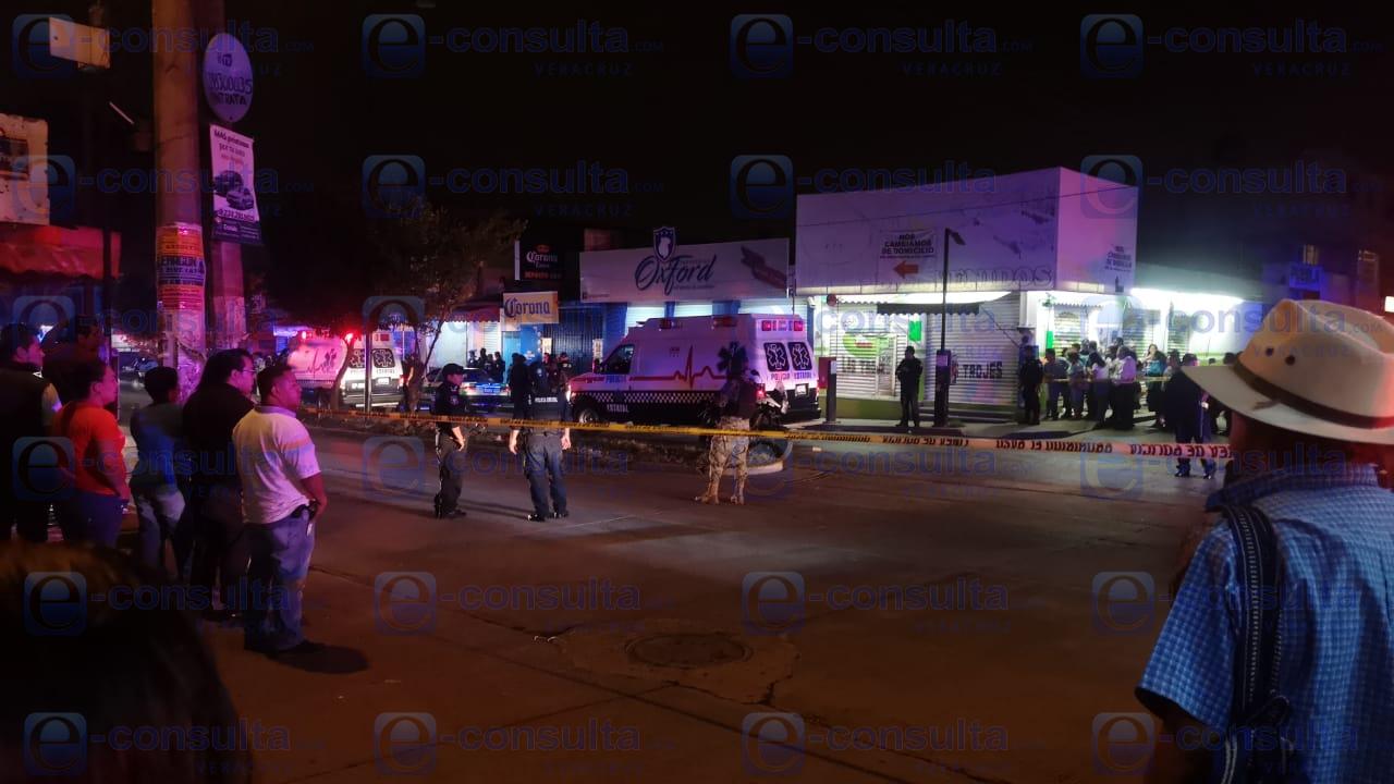 Un herido y un muerto tras ataque a taxi de Xalapa