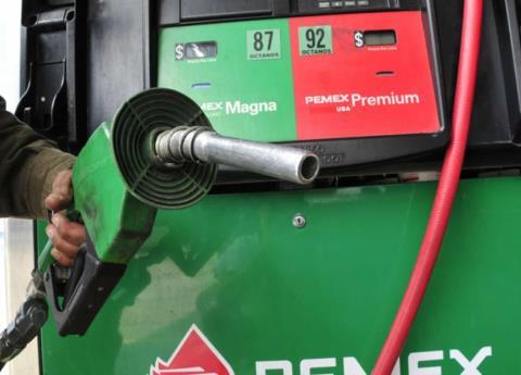 Litro de gasolina se vende hasta en 20 pesos