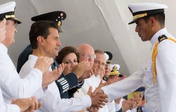 Se presume última visita de EPN a Escuela Naval