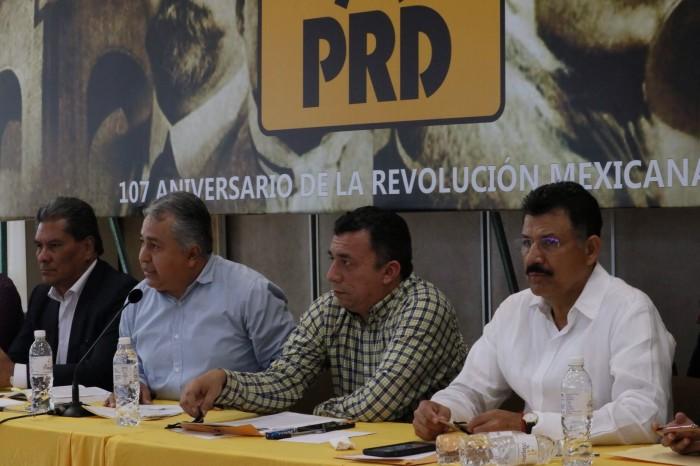 Perredistas salen a la defensa de Miguel Ángel Yunes
