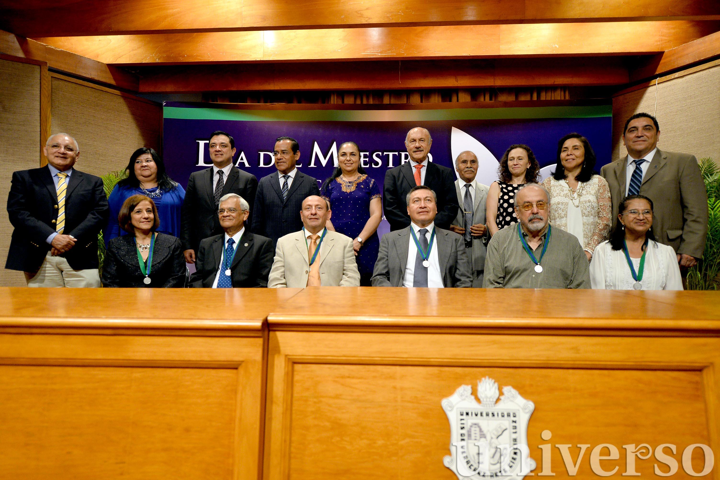 UV convoca a participar en Premio al Decano 2016