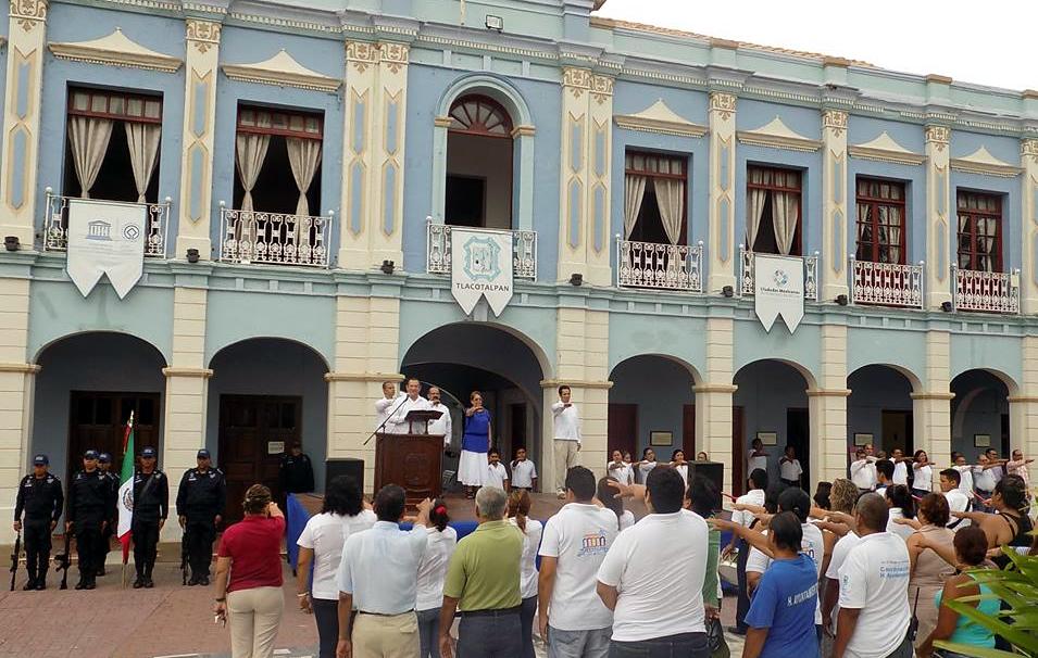 Exfuncionarias de Tlacotalpan tramitan amparos contra detención