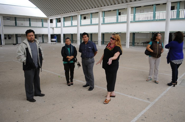 Padres de familia toman preparatoria Miguel Alemán González en Coatzacoalcos