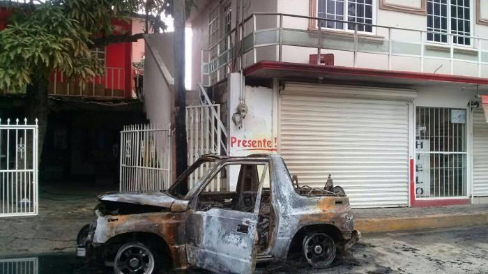 Incendian y balean instalaciones de diario Presente en Poza Rica