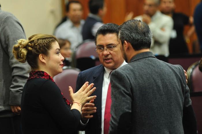 Diputados del PRI justifican autorizar créditos a municipios