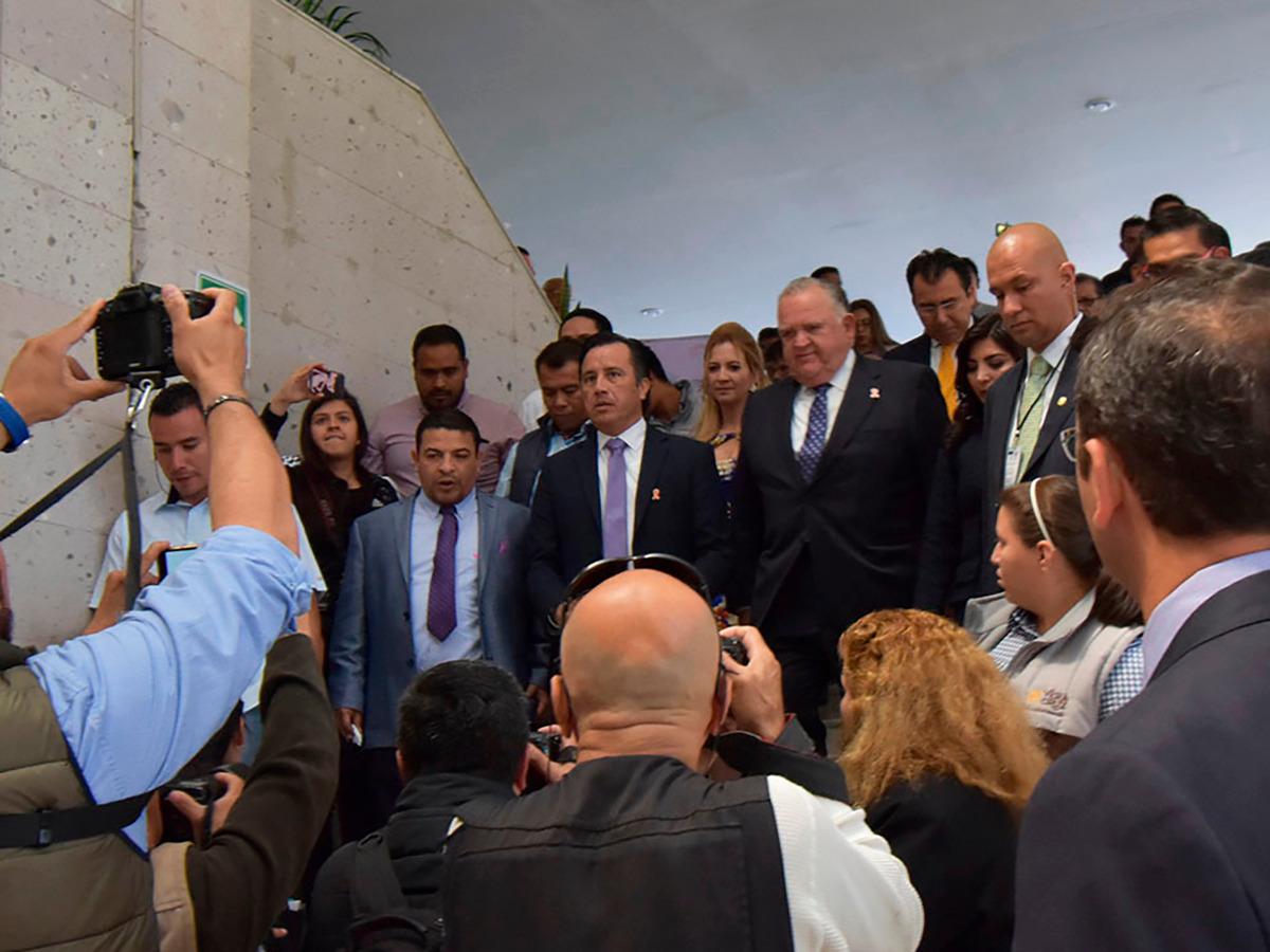 """División de Morena deja en """"congeladora legislativa"""