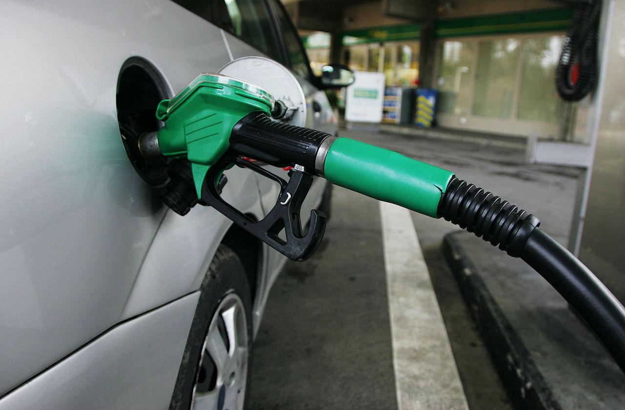 Esta propuesta de Hacienda eliminaría la gasolina barata