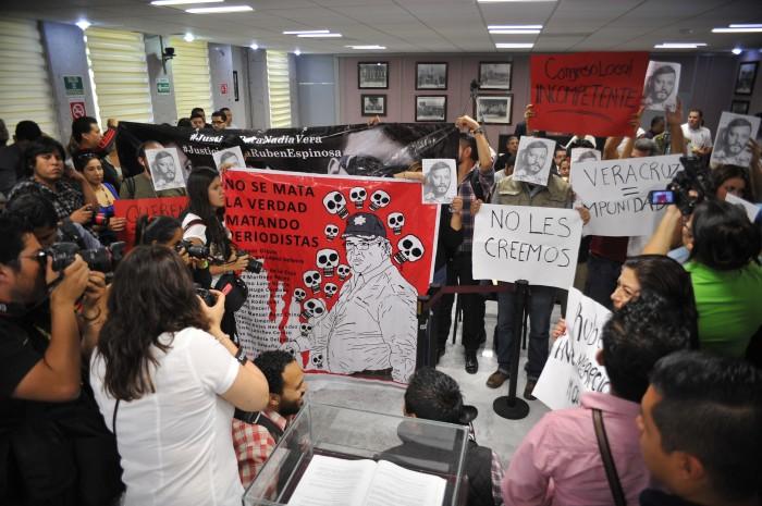 Periodistas protestan en el Congreso de Veracruz
