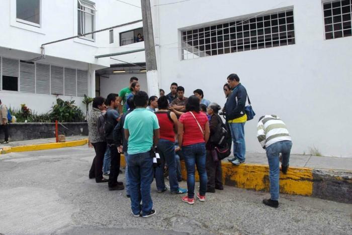 Segundo día de protestas de trabajadores de limpieza del Hospital Civil