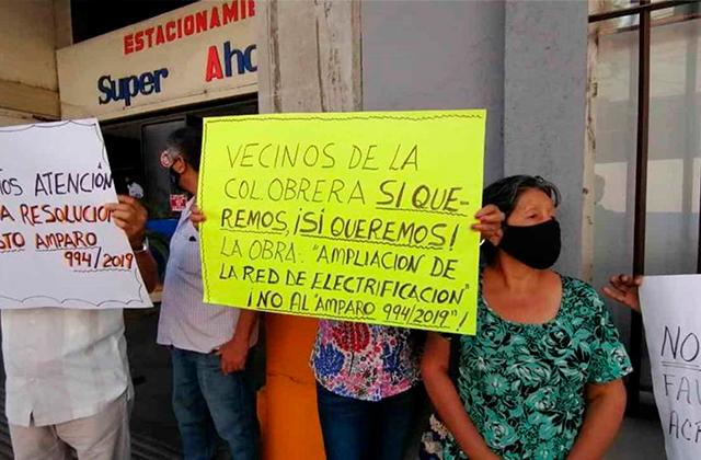 Protestan, exigen instalación de red eléctrica en Atoyac