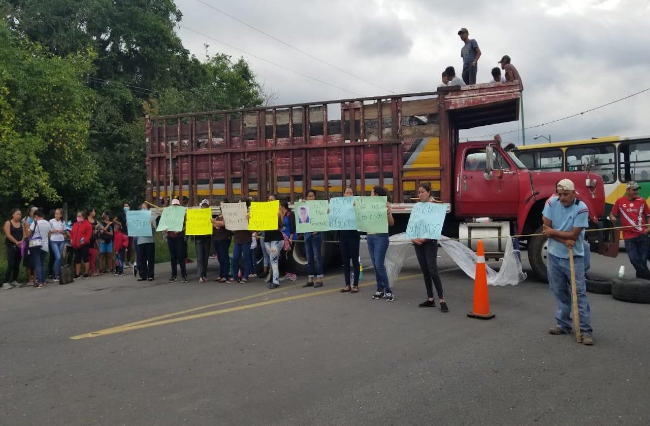 Protesta familia de joven fallecido en asalto a personal de Bienestar