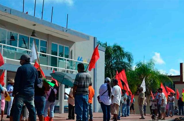 Protestan contra alcalde de Medellín; ¡Menos TikTok y más obras!
