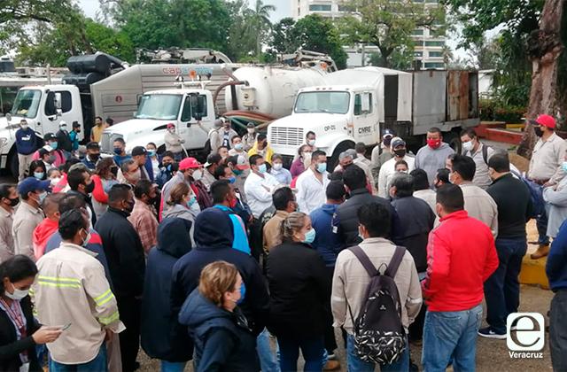 Protestan Trabajores de CMAS en Coatza