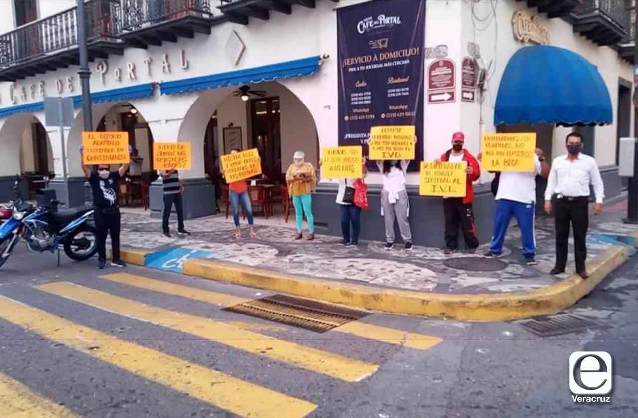 Deportistas del IVD reclaman retraso en entrega de becas