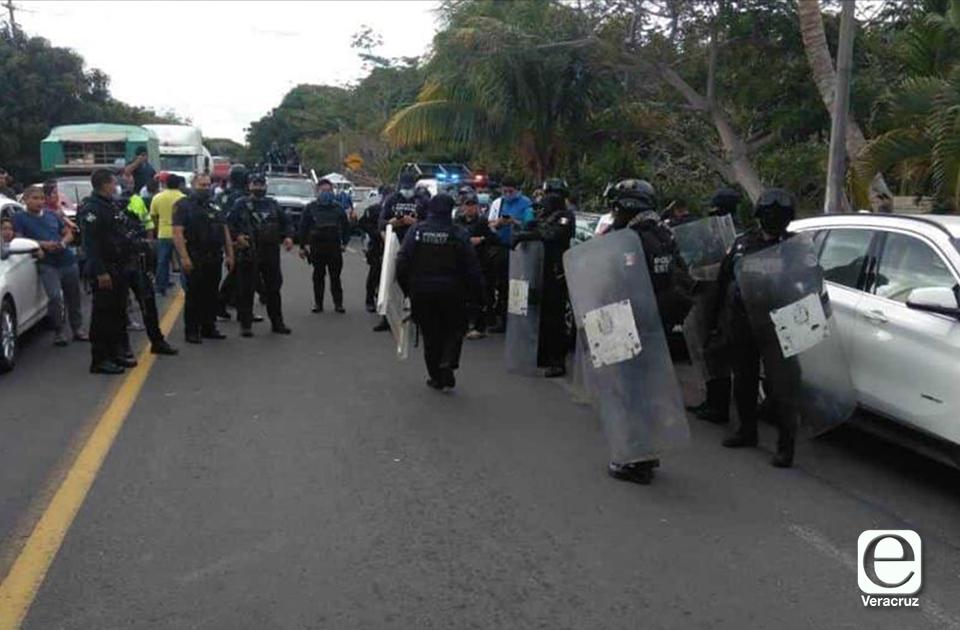 Protestas en Alvarado y Veracruz tras apagón de 3 días